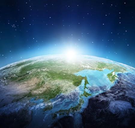 16caa-earth-rise